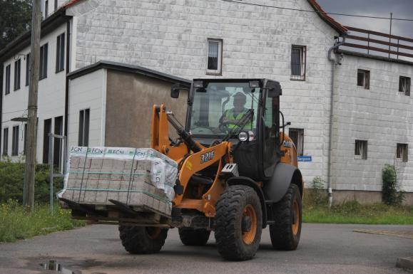 Case 321F Compact Wheel Loader available from Dennis Barnfield Ltd. Plant Machinery sales in the North West.