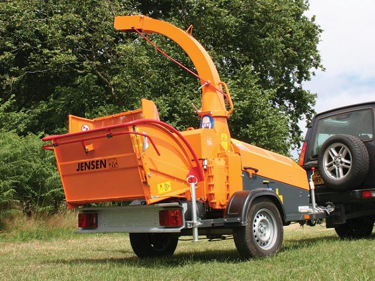 Jensen A425 Wheeled Chipper available from Dennis Barnfield Ltd, tracked chippers in Lancashire, Cumbria and the North West!