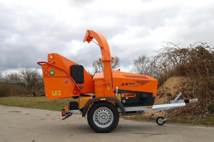 Jensen A530L Wheeled Chipper available from Dennis Barnfield Ltd, tracked chippers in Lancashire, Cumbria and the North West!