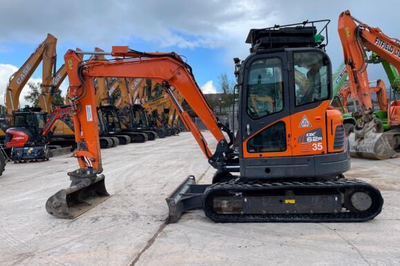 Doosan DX62R Excavator